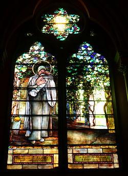 Windows_-_Church_of_the_Covenant_Boston_-_DSC08141_opt.jpg